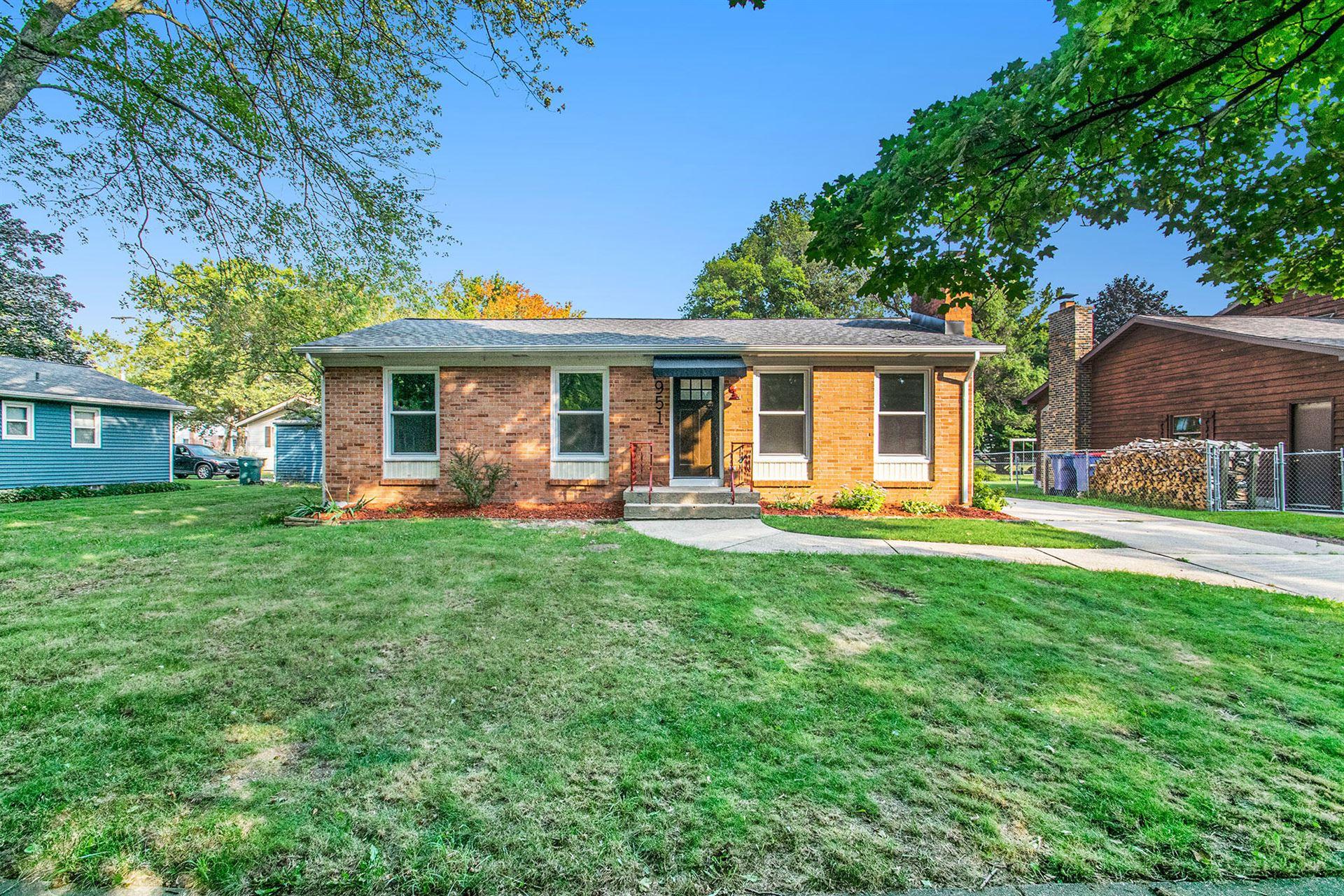 951 N Hampton Drive NE, Grand Rapids, MI 49505 - MLS#: 21104640