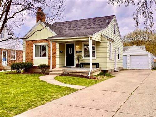 Photo of 1811 Fremont Avenue NW, Grand Rapids, MI 49504 (MLS # 21011646)