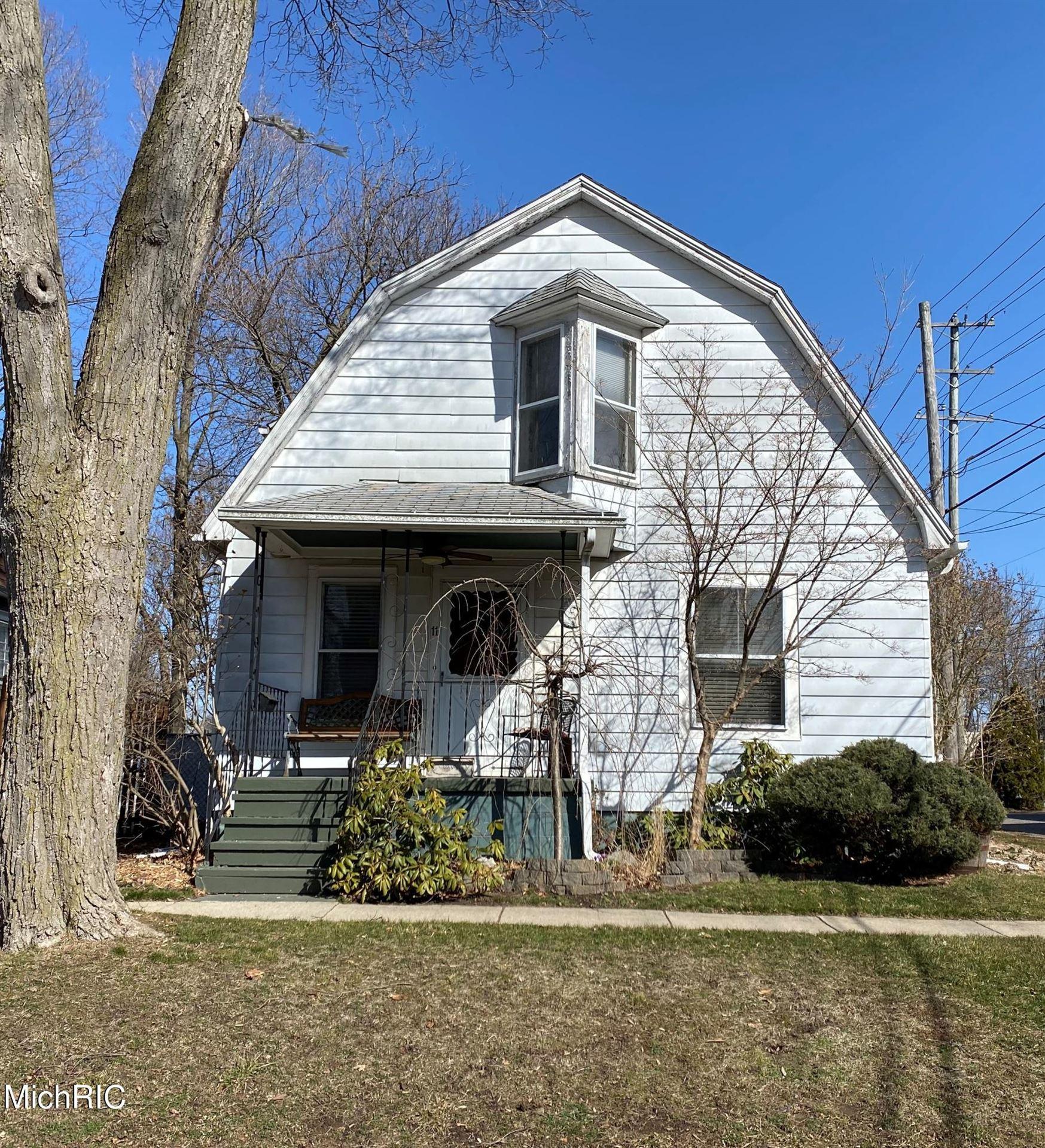 11 Barry Street, Hillsdale, MI 49242 - MLS#: 21008652