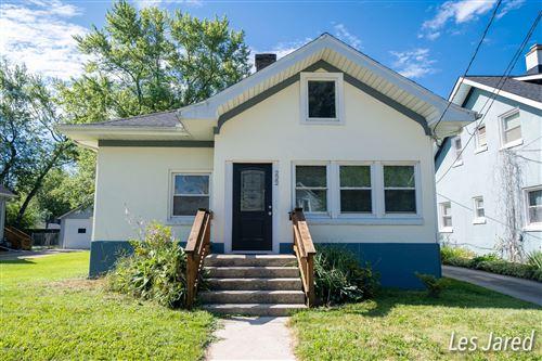Photo of 222 Knapp Street NE, Grand Rapids, MI 49505 (MLS # 20031653)