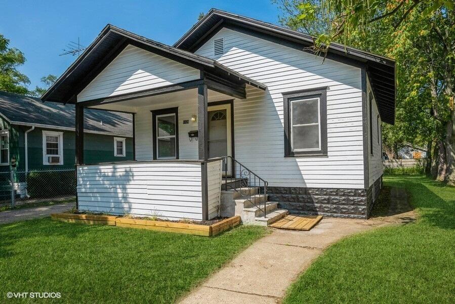 1128 Ogden Avenue, Benton Harbor, MI 49022 - MLS#: 21103655