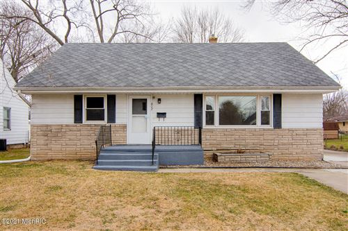 Photo of 617 N 13th Street, Niles, MI 49120 (MLS # 21000657)
