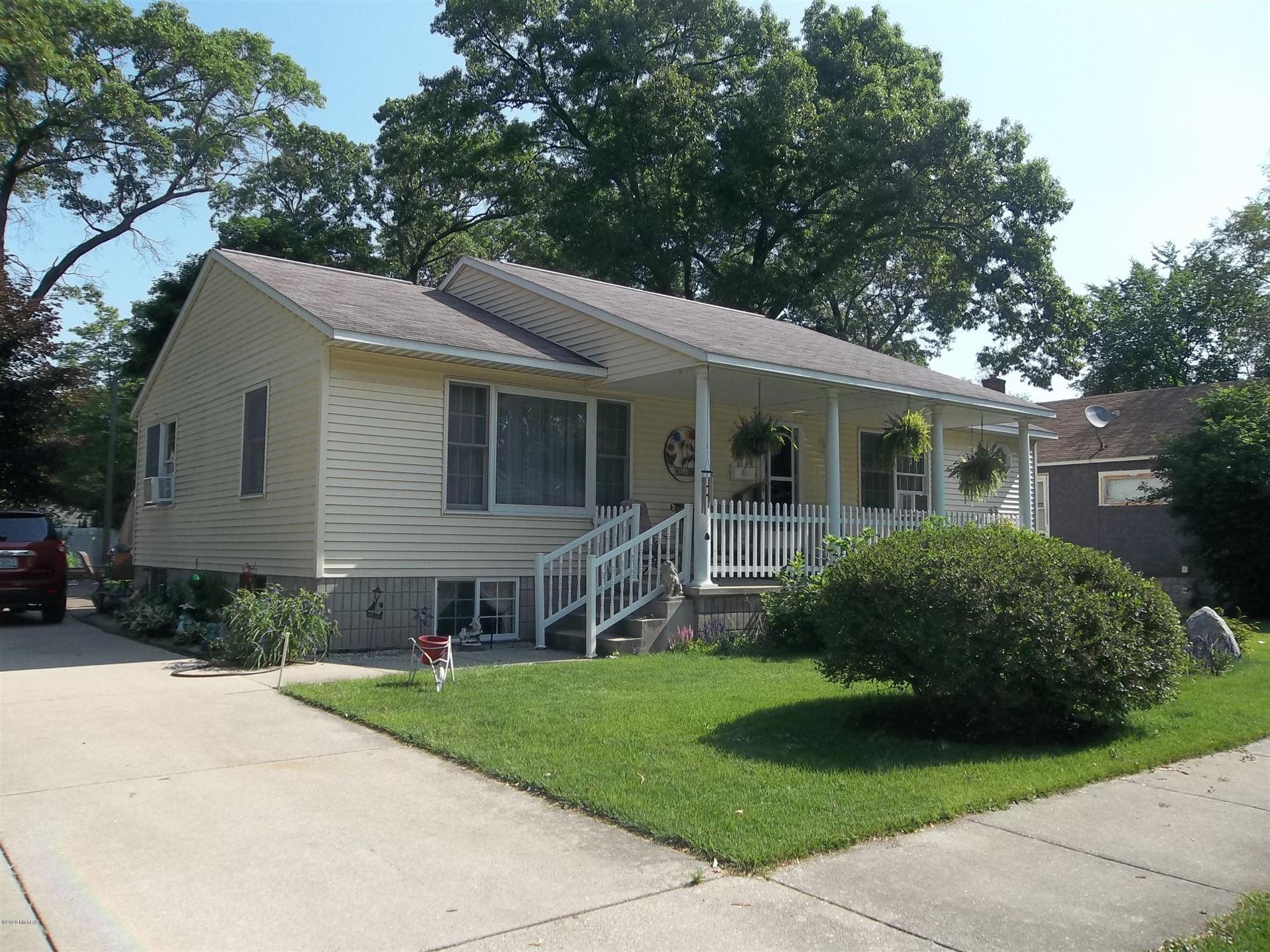 Photo of 1088 Calvin Avenue, Muskegon, MI 49442 (MLS # 20024658)