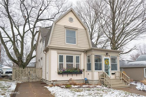 Photo of 911 Wisconsin Avenue, St. Joseph, MI 49085 (MLS # 21001659)