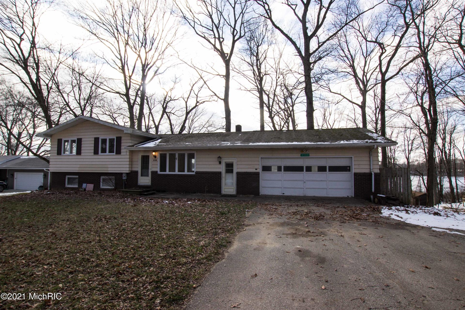 Photo for 9500 Steimle Road, Eau Claire, MI 49111 (MLS # 21000661)