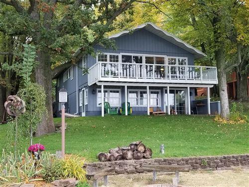Photo of 7765 W Lake Drive, Canadian Lakes, MI 49346 (MLS # 21096676)