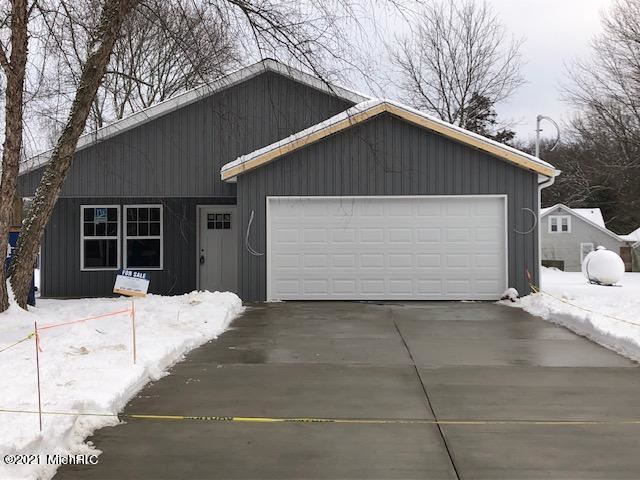 275 W W Brooks Street, Newaygo, MI 49337 - MLS#: 20049676