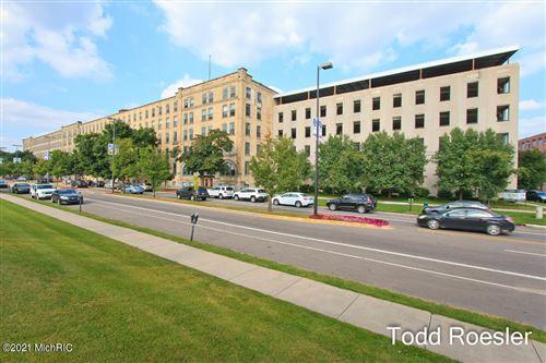Photo of 940 Monroe Avenue NW #428, Grand Rapids, MI 49503 (MLS # 21001682)