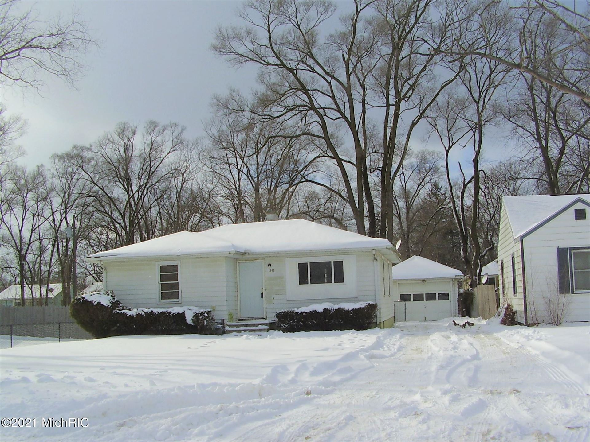 1342 Agard Avenue, Benton Harbor, MI 49022 - MLS#: 21003682