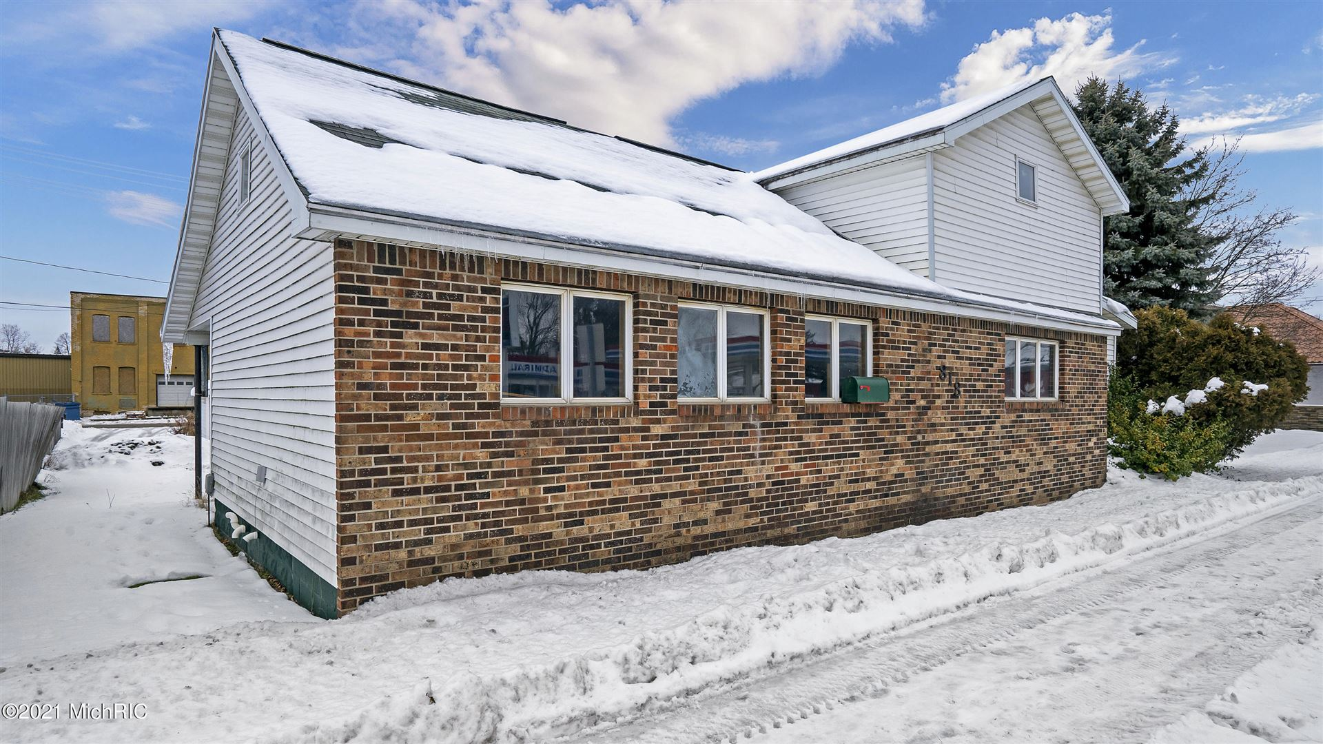 818 N State Street, Big Rapids, MI 49307 - MLS#: 21000698