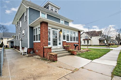 Photo of 621 Wayne Street, St. Joseph, MI 49085 (MLS # 21001703)