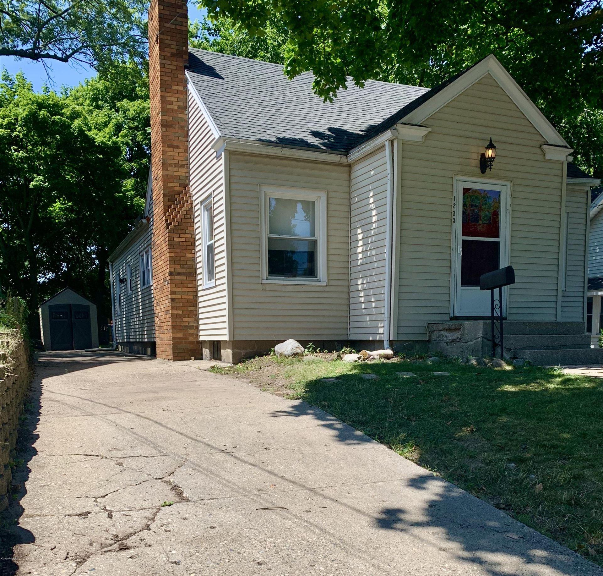 1233 Diamond Avenue NE, Grand Rapids, MI 49505 - #: 20029706