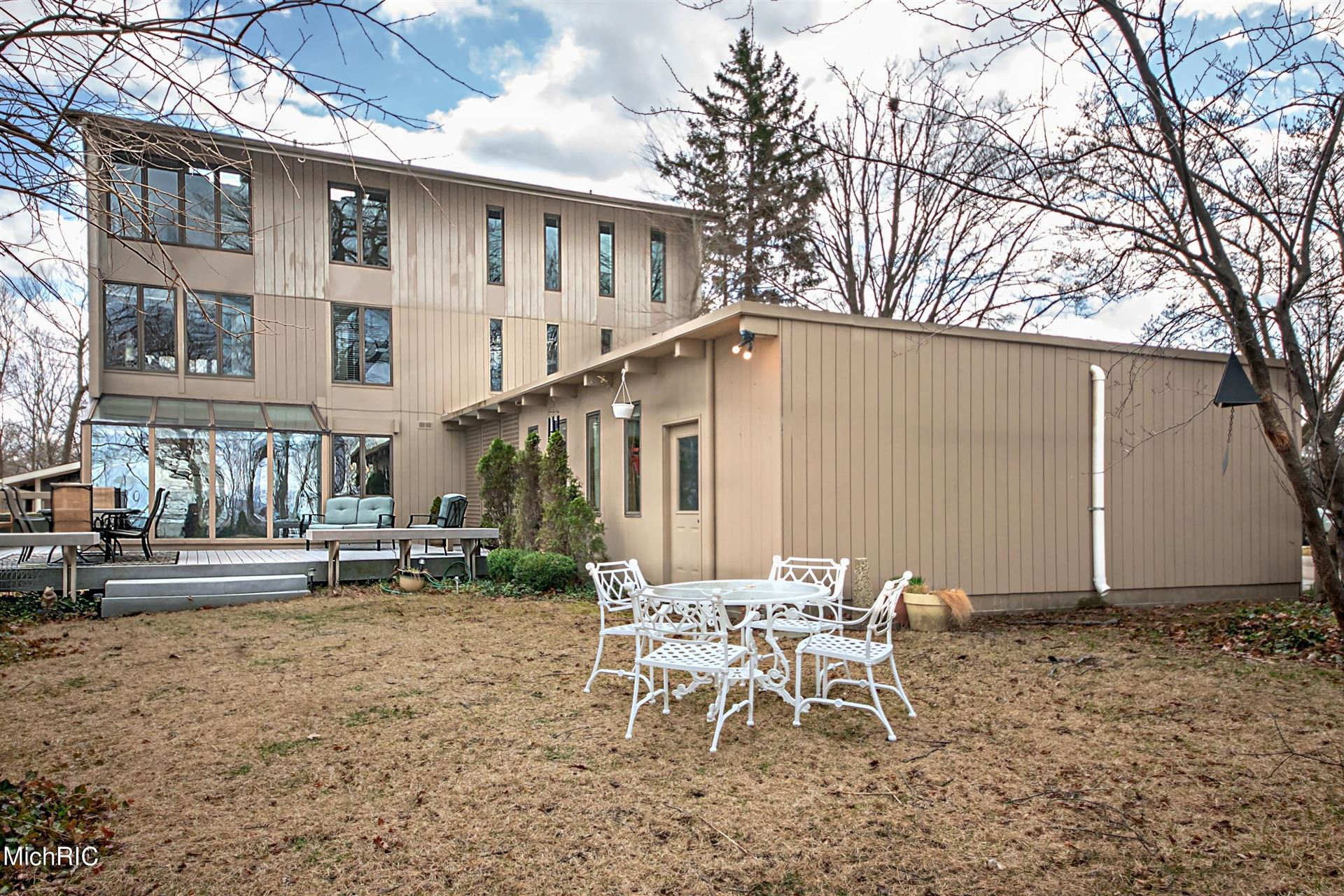 150 Higman Park Hill, Benton Harbor, MI 49022 - MLS#: 21009707