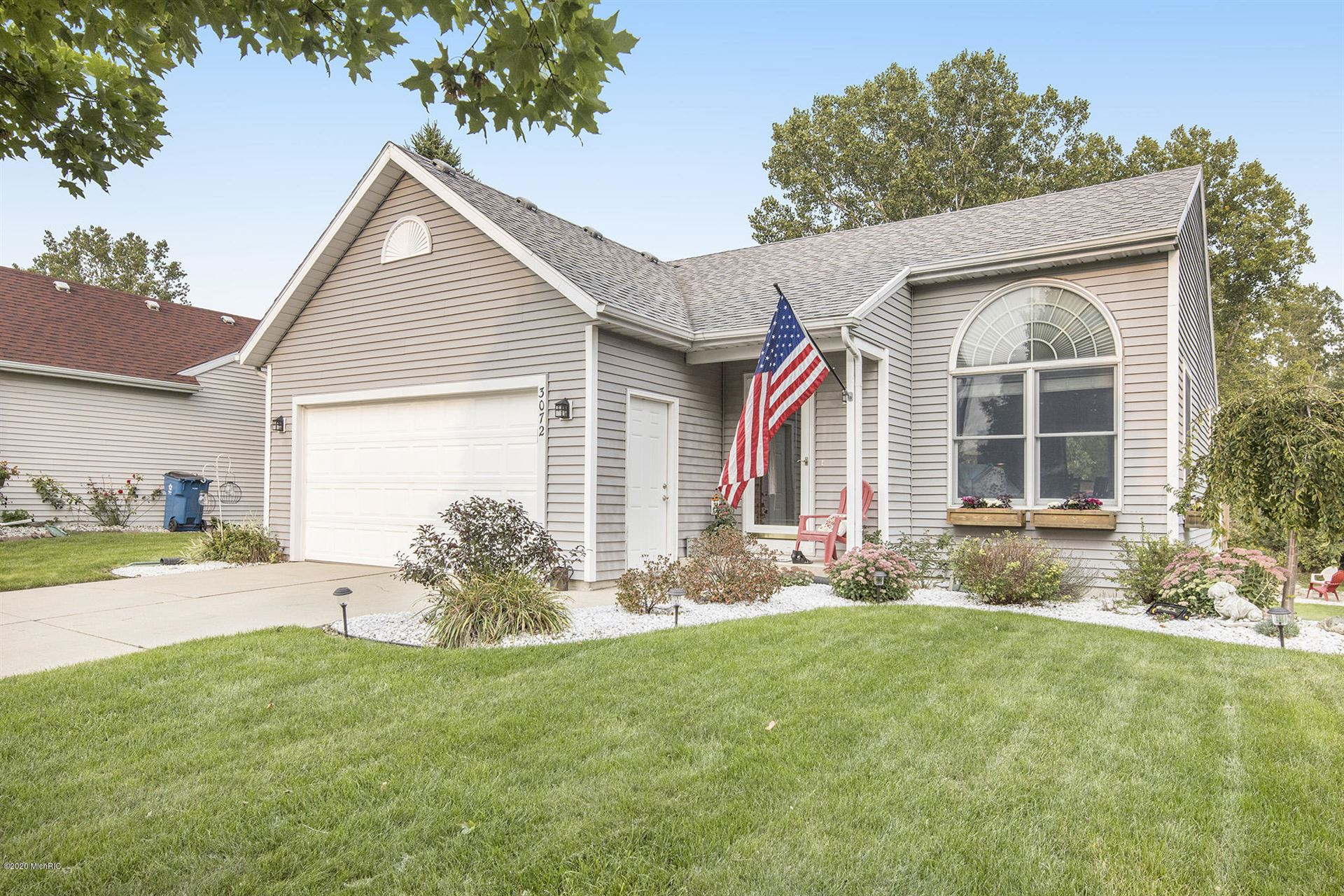 Photo of 3072 Roberts Way, Holland, MI 49424 (MLS # 20038712)