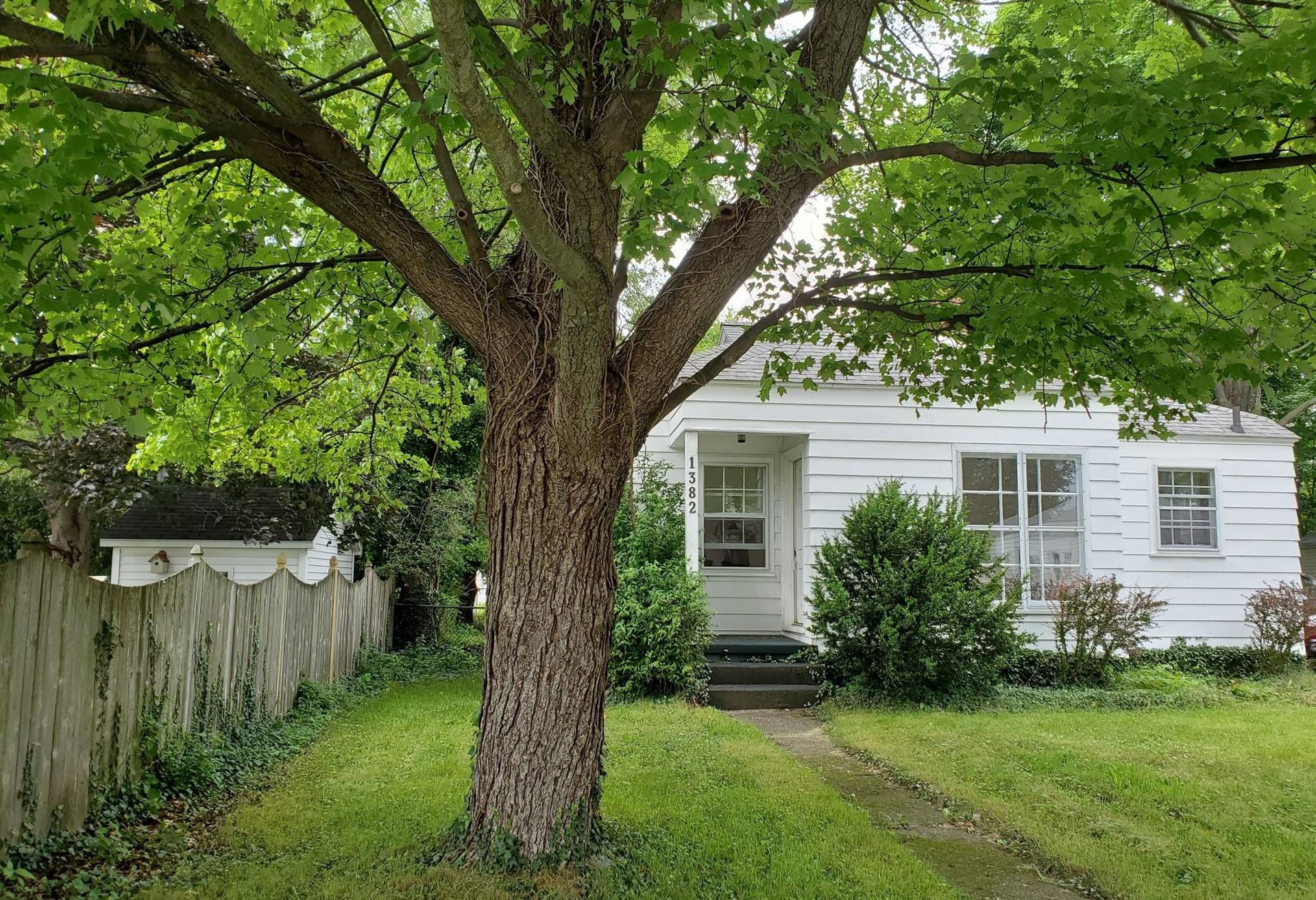 Photo of 1382 Montague Avenue, Muskegon, MI 49441 (MLS # 21033717)