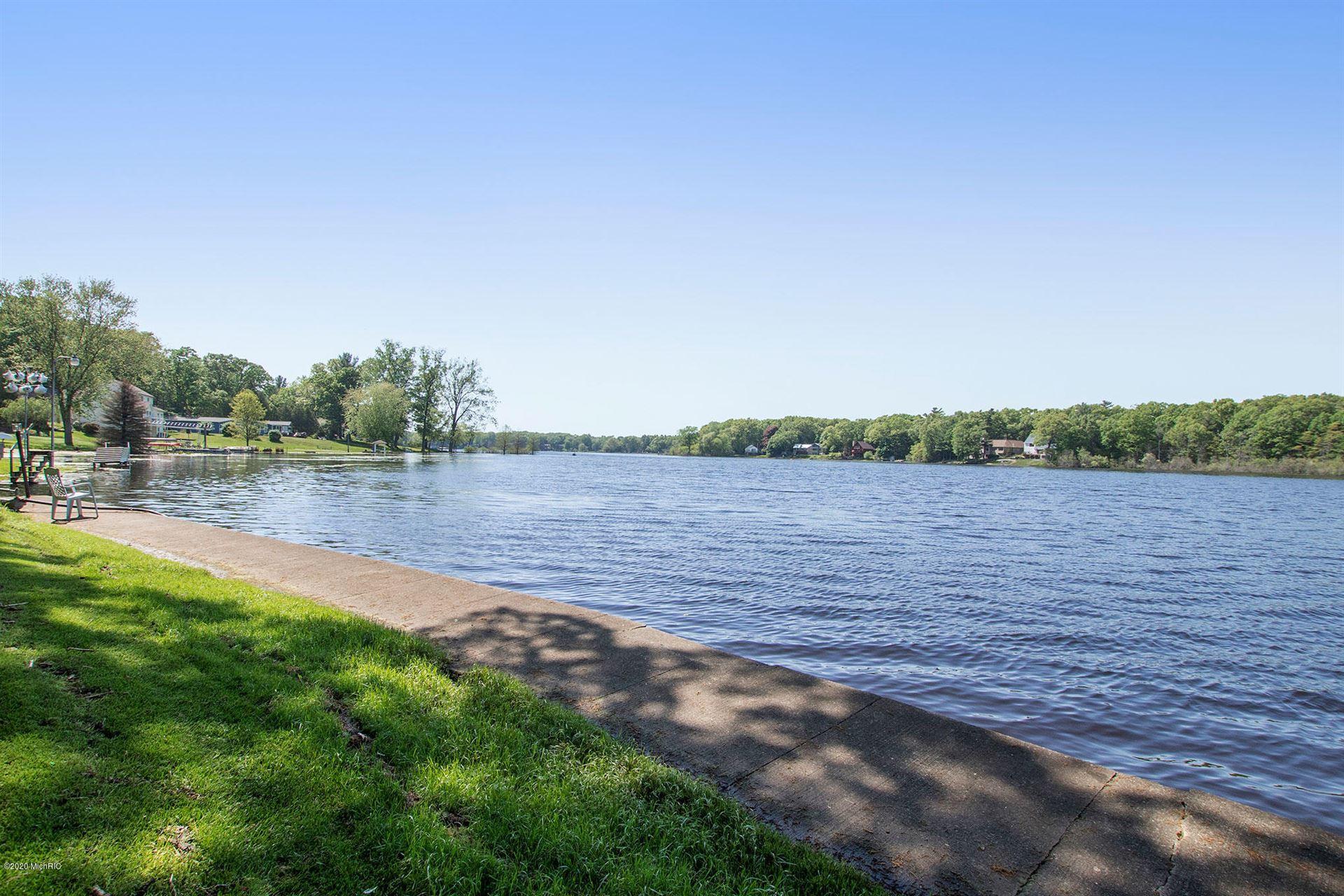Photo of 15229 Lake Avenue, Grand Haven, MI 49417 (MLS # 21004720)