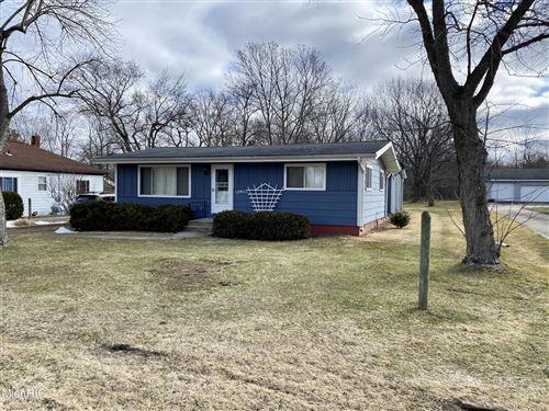 Photo of 12977 Peck Avenue, Sawyer, MI 49125 (MLS # 21006724)