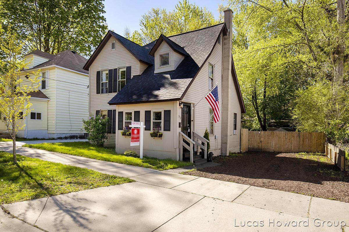 312 Spencer Street NE, Grand Rapids, MI 49505 - MLS#: 21016725