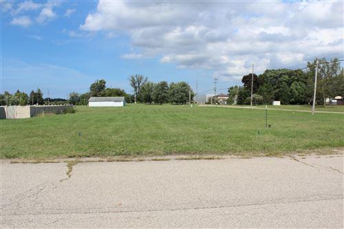 Photo of 00 Manorwood Circle Lot 18 Road, Benton Harbor, MI 49022 (MLS # 18044730)