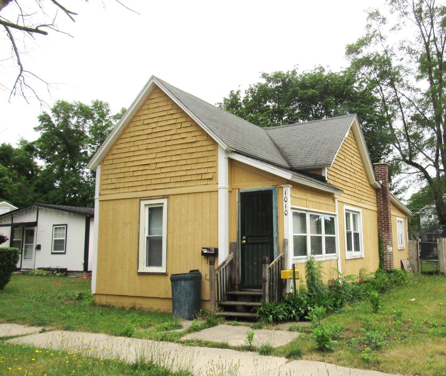 1010 Bishop Avenue, Benton Harbor, MI 49022 - MLS#: 21023736