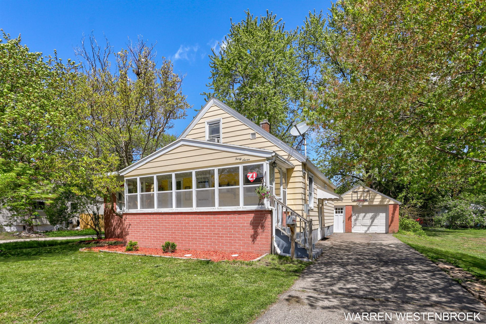 37 W Garfield Avenue, Zeeland, MI 49464 - MLS#: 21016757