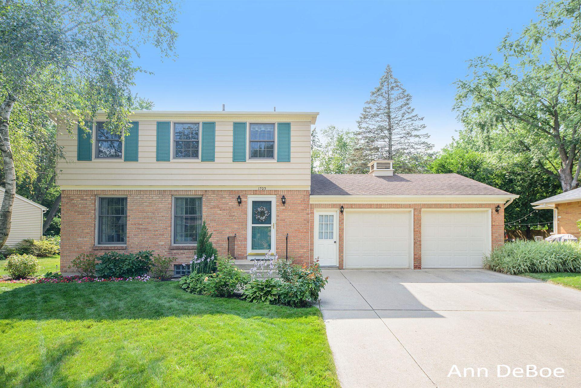 1705 Ridgewood Avenue SE, Grand Rapids, MI 49506 - MLS#: 21094759