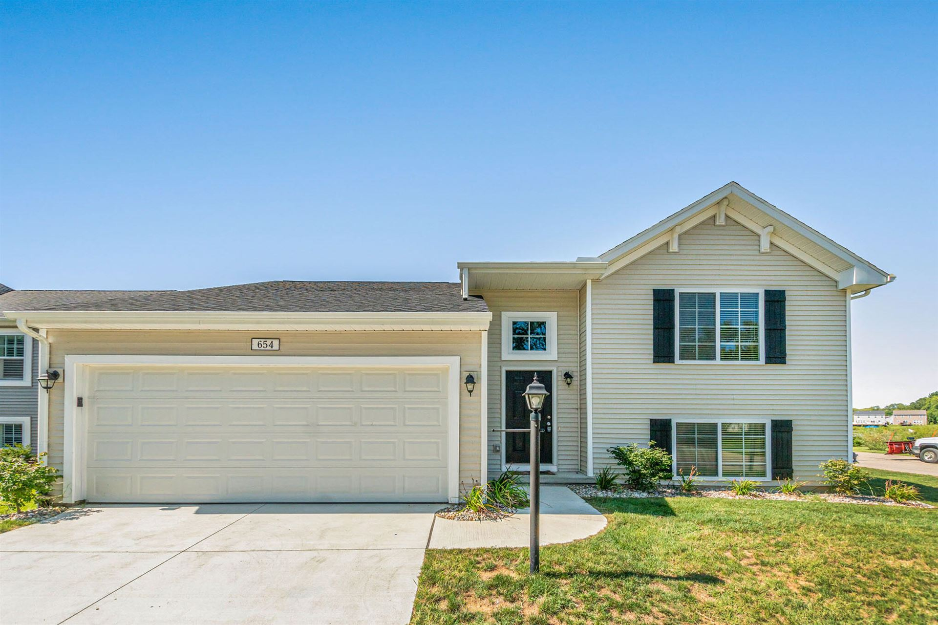 654 Cygnet Lake Drive, Benton Harbor, MI 49022 - MLS#: 21105763