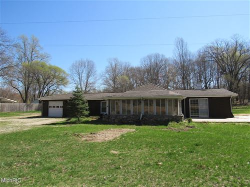 Photo of 7477 Thornton Drive, Stevensville, MI 49127 (MLS # 21001782)