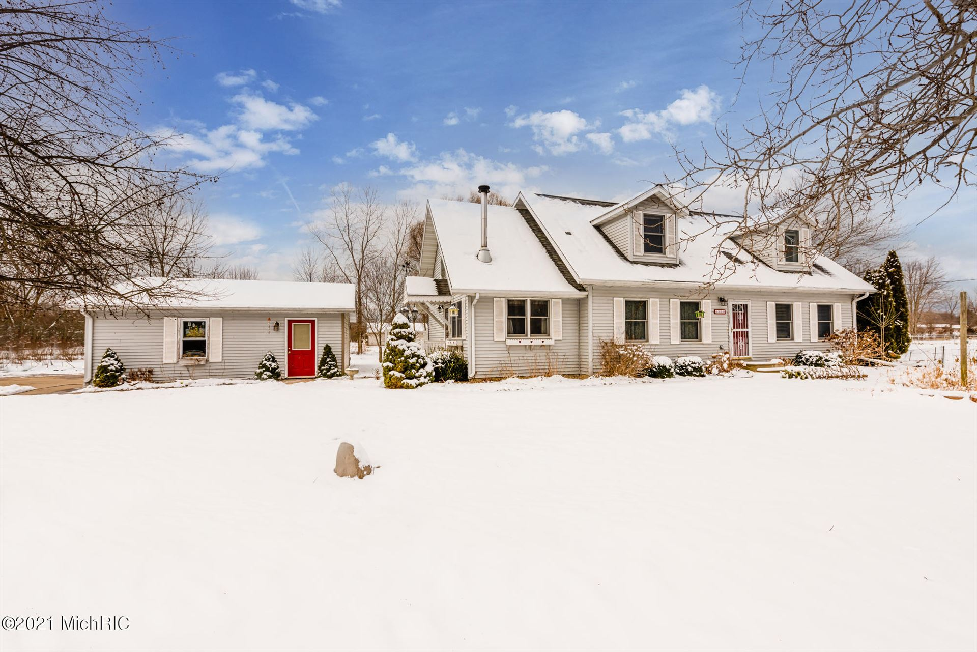 Photo for 4530 Thar Road, Coloma, MI 49038 (MLS # 21001790)