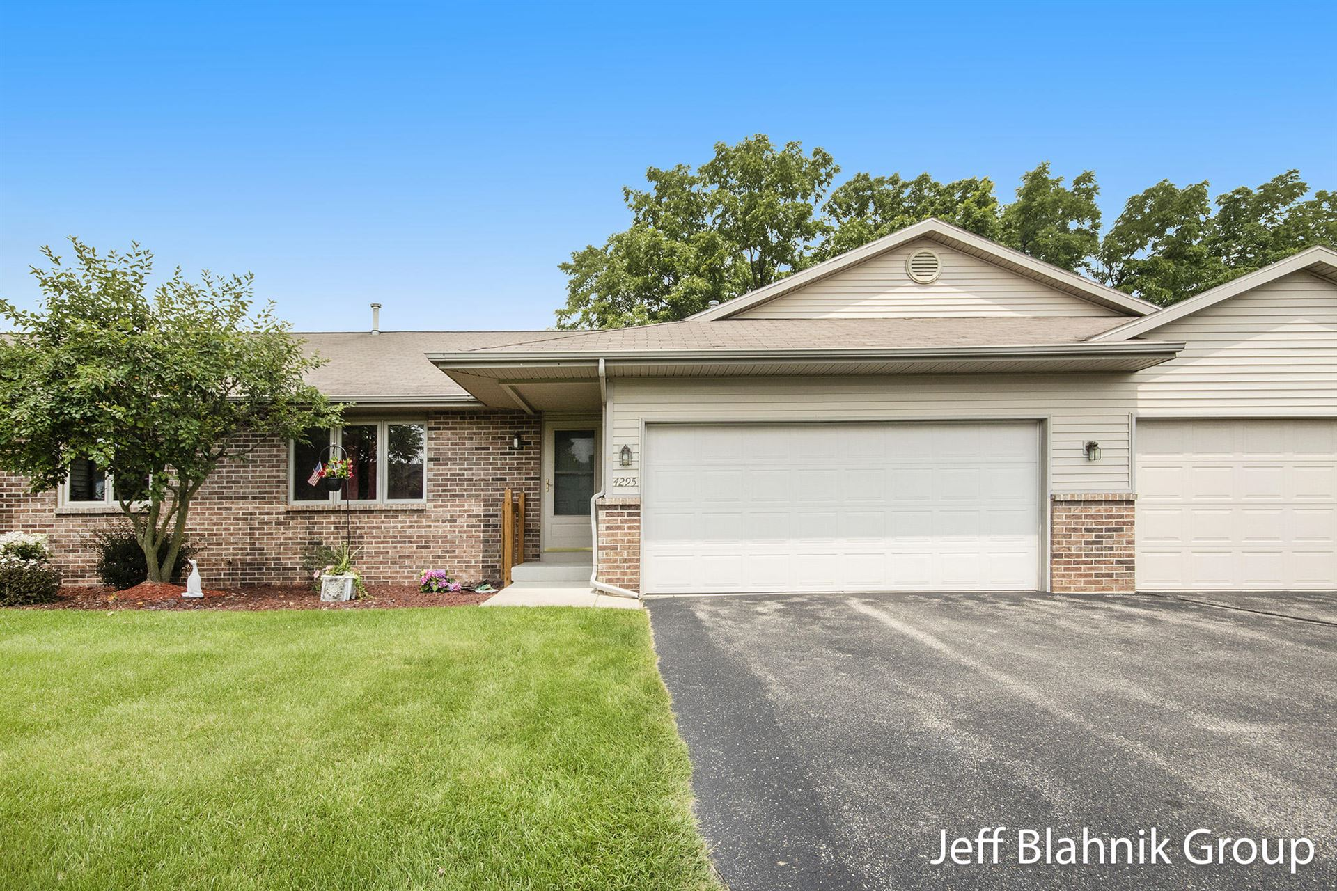 4295 Oakridge Drive NW, Grand Rapids, MI 49534 - MLS#: 21094799