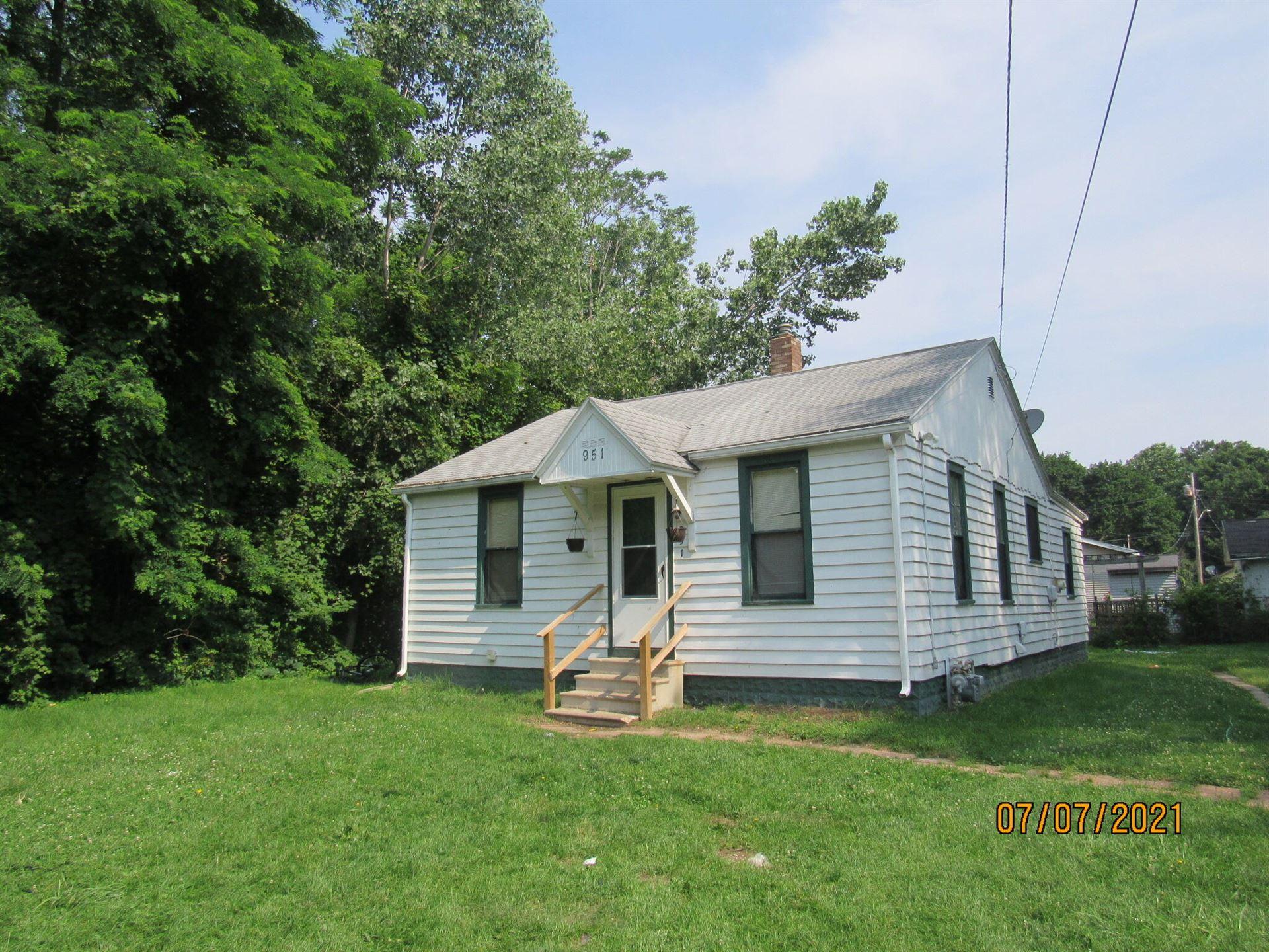 951 Waucedah Avenue, Benton Harbor, MI 49022 - MLS#: 21064801