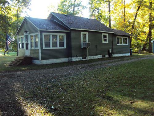 Photo of 9630 Woodlawn Drive, Portage, MI 49002 (MLS # 20040805)