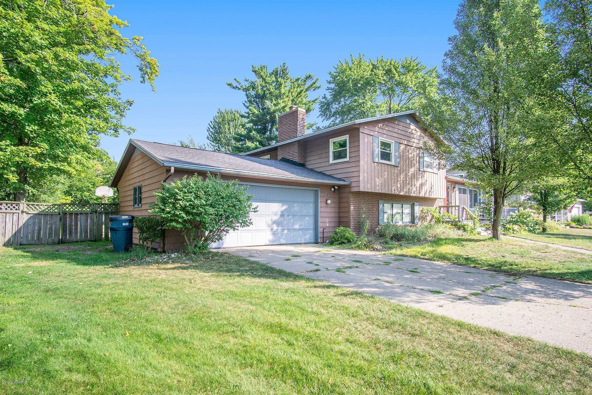 Photo of 18037 Trudy Drive, Spring Lake, MI 49456 (MLS # 20034813)