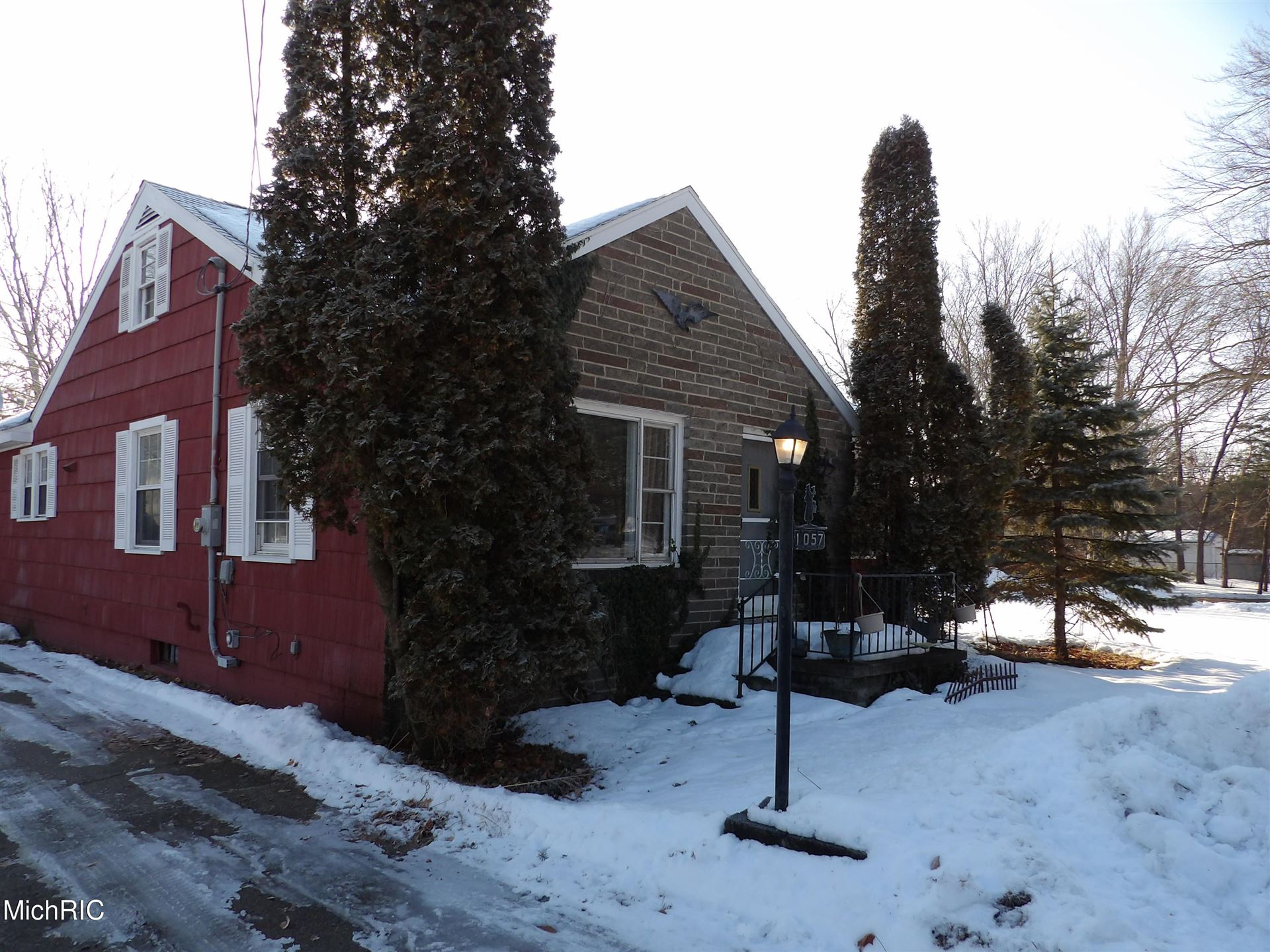 Photo of 1057 Sunset Lane, Muskegon, MI 49441 (MLS # 21005820)
