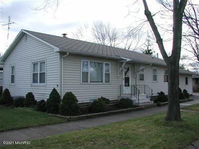 Photo of 2515 Pixley Avenue, St. Joseph, MI 49085 (MLS # 21004830)