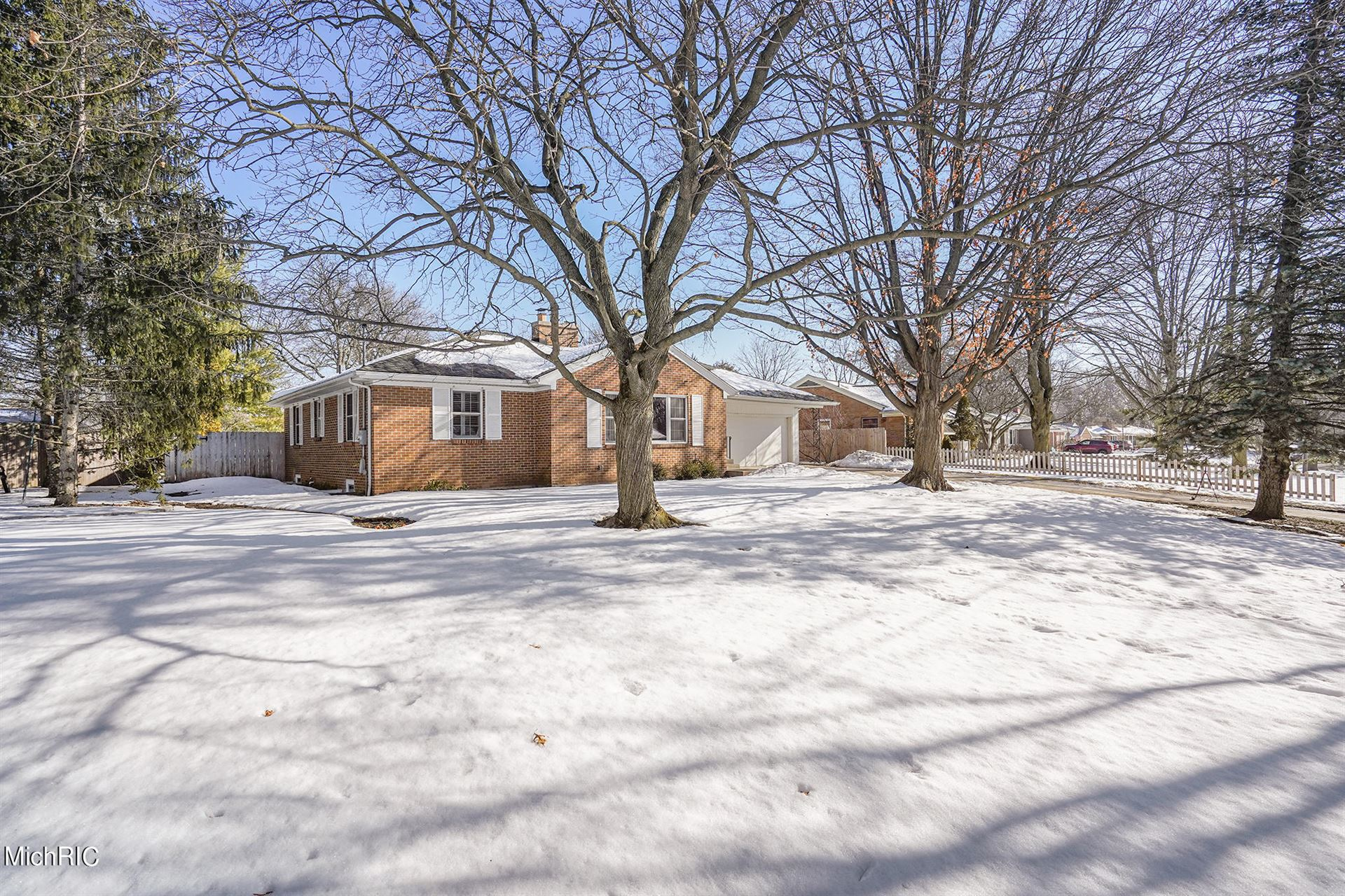 170 Hodenpyl Road SE, East Grand Rapids, MI 49506 - MLS#: 21005831