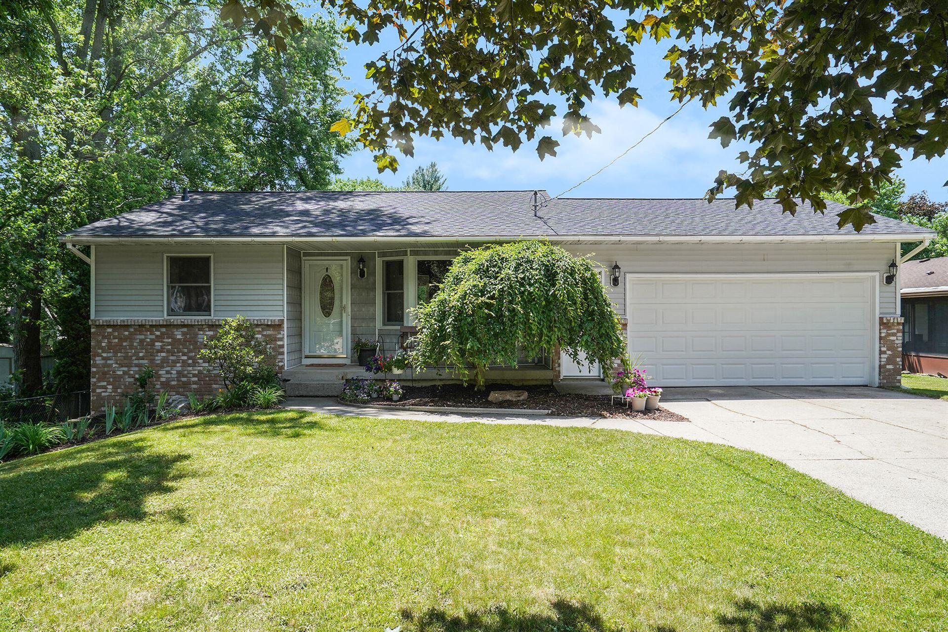 2600 Burritt Street NW, Grand Rapids, MI 49504 - MLS#: 21022842