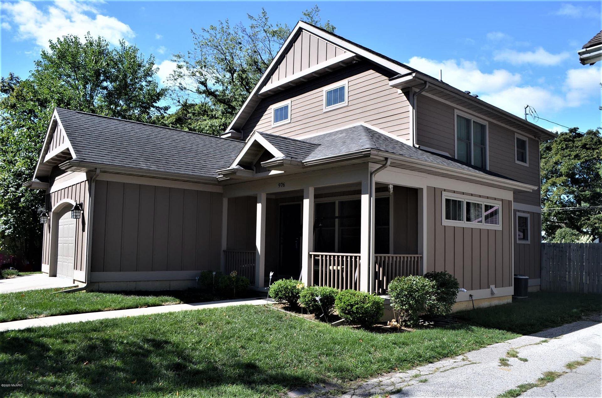 976 Monroe Street, Benton Harbor, MI 49022 - MLS#: 20036851