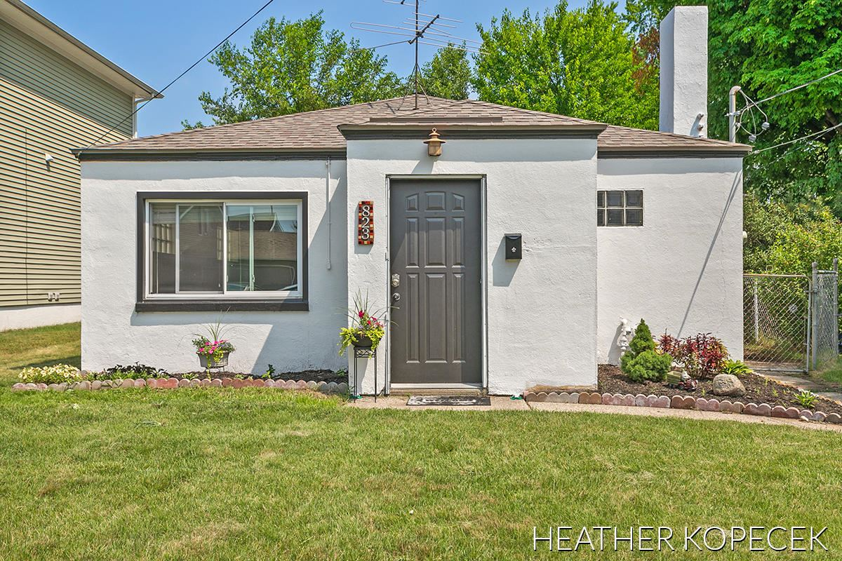 823 Norbert Street NW, Grand Rapids, MI 49504 - MLS#: 21064854