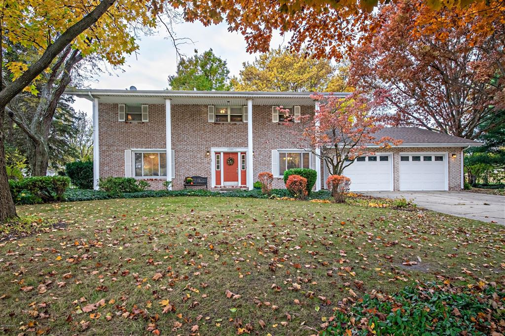 Photo for 6050 Clearbrook Drive, Stevensville, MI 49127 (MLS # 18053857)