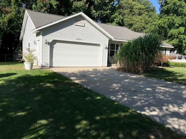 Photo of 15213 Arborwood Drive, Grand Haven, MI 49417 (MLS # 21106860)