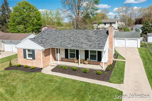 Photo of 3510 Chamberlain Avenue SE, Grand Rapids, MI 49508 (MLS # 21015864)