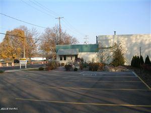 Photo of 1016 E Walnut Street, Kalamazoo, MI 49001 (MLS # 19043879)