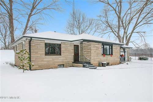 Tiny photo for 218 S Philip Road, Niles, MI 49120 (MLS # 21001883)