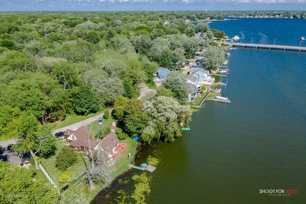 Photo of 16950 Cecelia Lane, Spring Lake, MI 49456 (MLS # 20011883)
