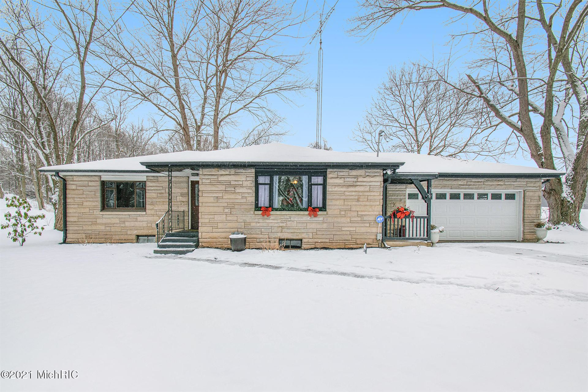 Photo for 218 S Philip Road, Niles, MI 49120 (MLS # 21001883)