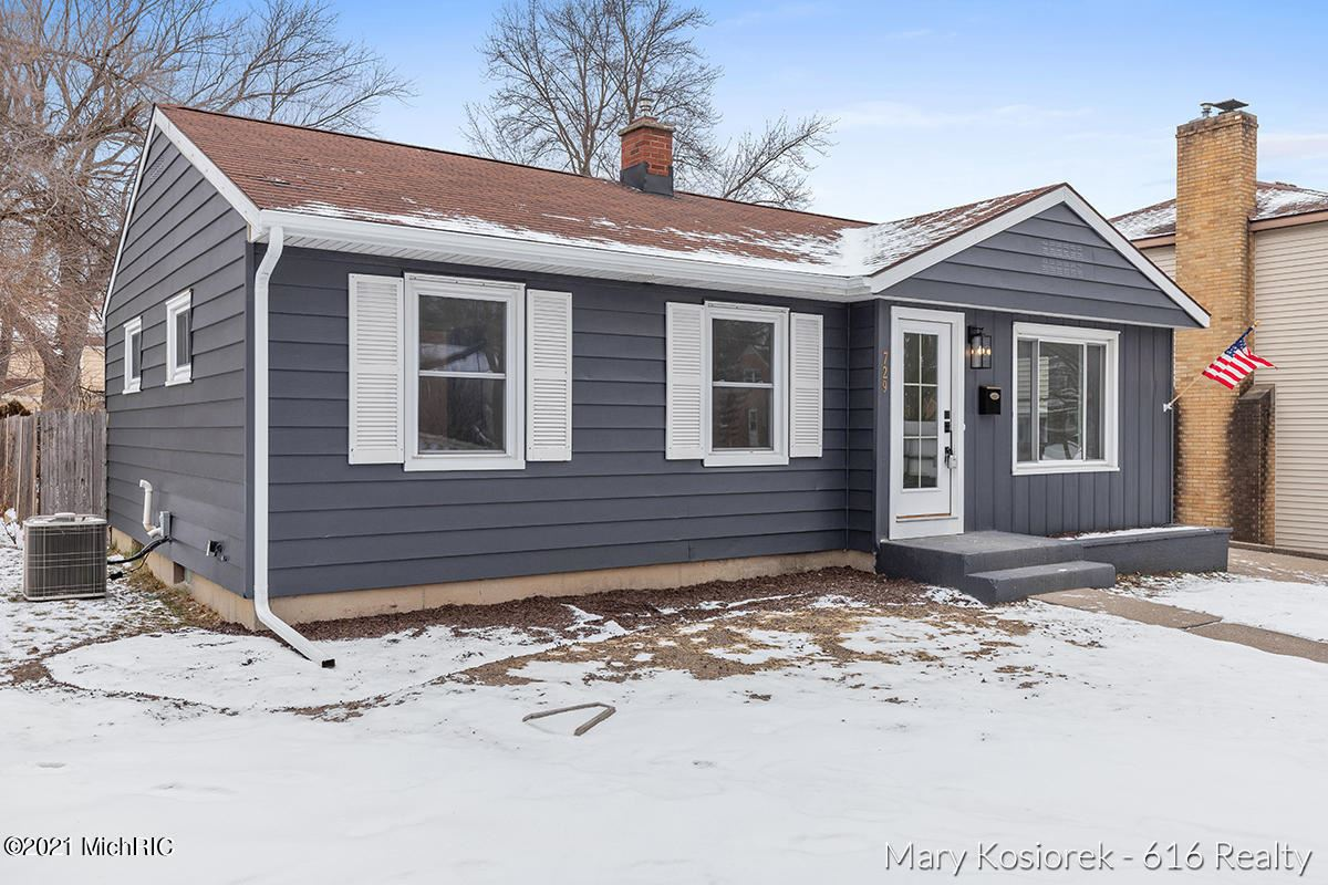 729 Halena Street NE, Grand Rapids, MI 49505 - MLS#: 21001888