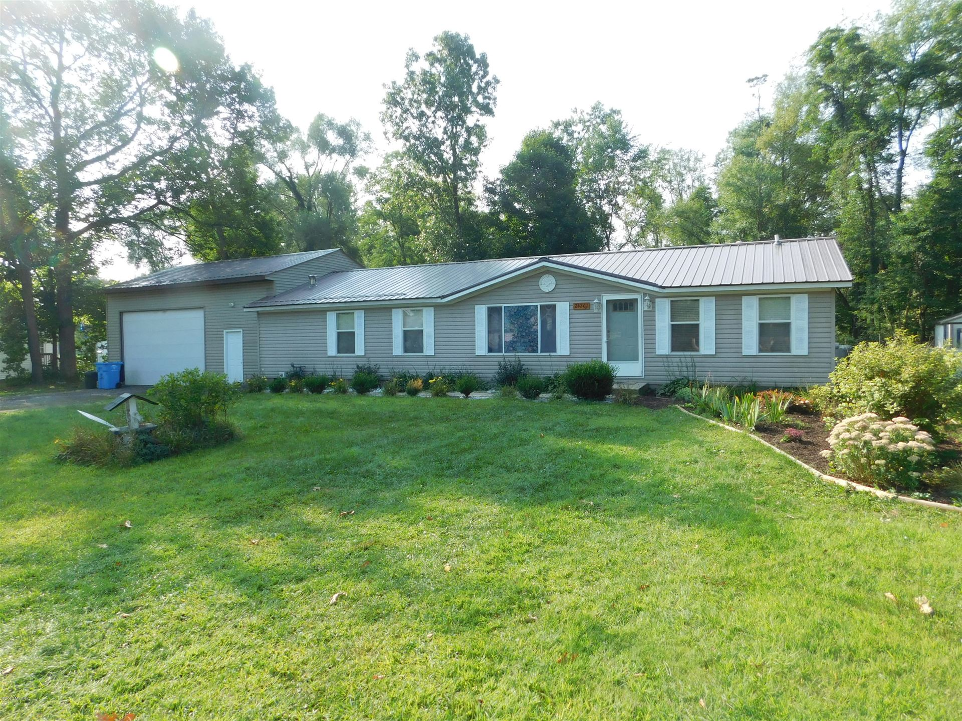 24261 Oak St, Edwardsburg, MI 49112 - MLS#: 20036900