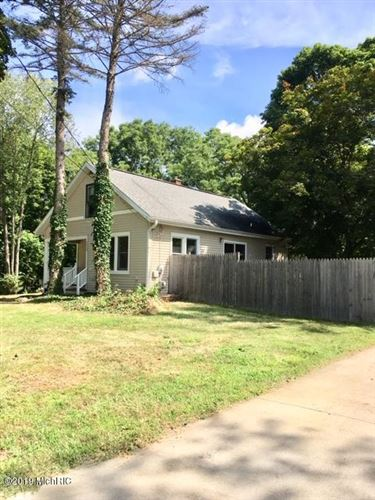 Photo of 3403 Knox Street, Kalamazoo, MI 49008 (MLS # 19048903)