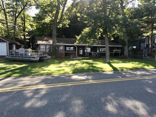 Photo of 7505 S Lakeshore Drive, Pentwater, MI 49449 (MLS # 21107904)